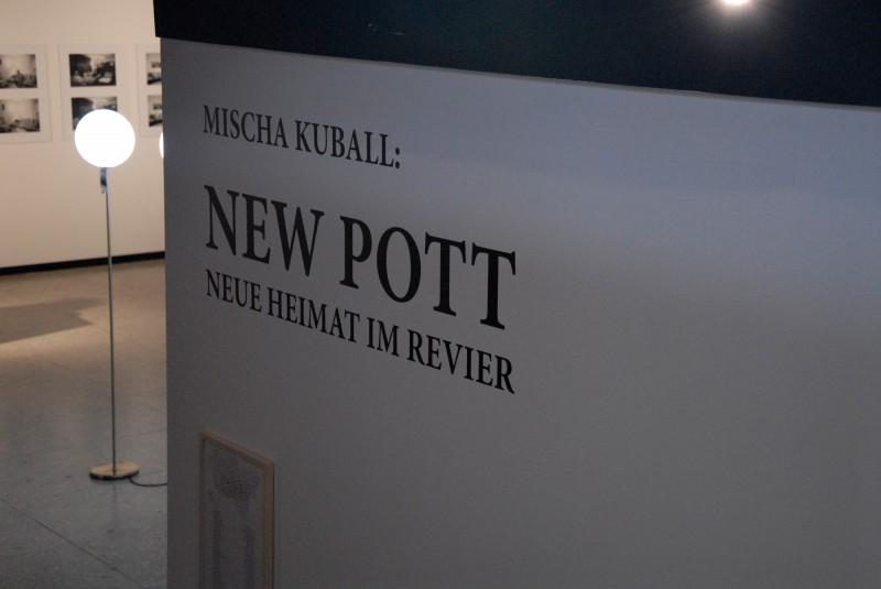 Misch Kuball New Pott im LehmbruckMuseum
