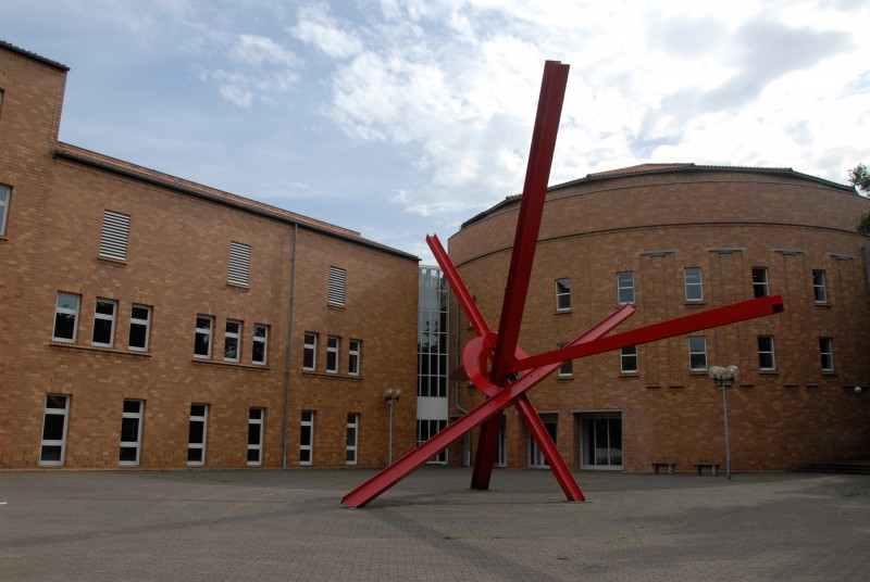 Mark di Suvero New Star - Skulpturenpark Viersen.jpg