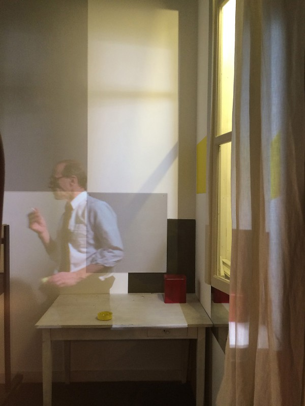 Mondrians Atelier in Paris - Nachbau im Geburtshaus Amersfoort - Videoinstallation von David Baronian - Rue du Depart 2014 - Mondrian´s reconstructed studio in his birthplace with a video installation by David Baronian - Rue du Depart 2014