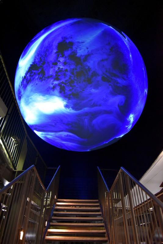 Planet des Lebens im Gasometer Oberhausen- Peter Pachnicke und Nils Sparwasser (Foto: Anne Eleftheria)