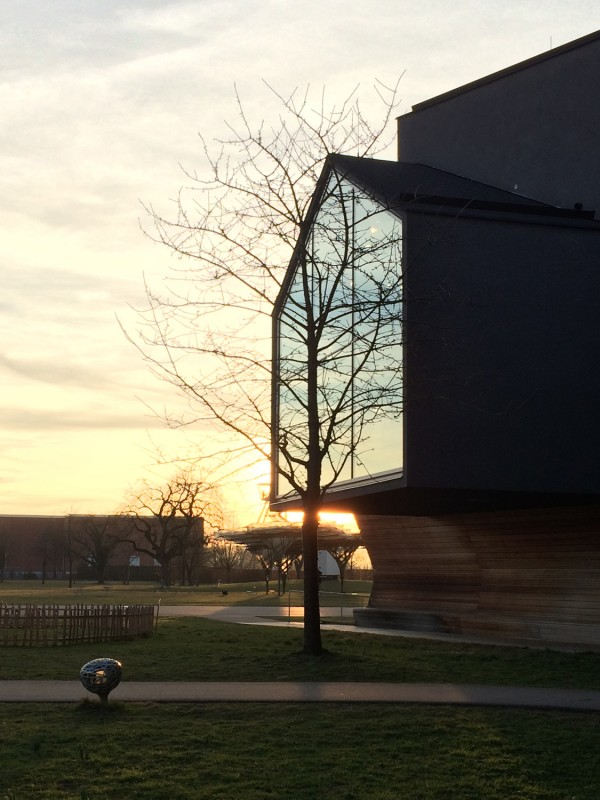 Vitra Campus - Vitra Haus - Herzog & de Meuron- Abendstimmung