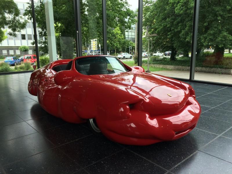 Erwin Wurm - Fat Convertible (Front view) -  2005- Lehmbruck Museum Duisburg