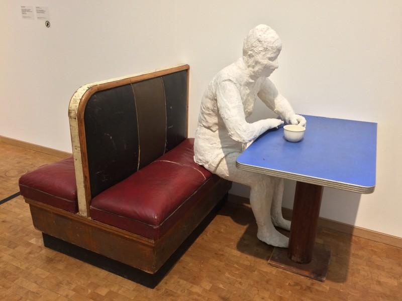 George Segal - Woman in a Restaurant Booth - Frau in einer Restaurantnische - 1961 - in: kunst ins leben ! - Der Sammler Wolfgang Hahn und die 60er Jahre - im Museum Ludwig