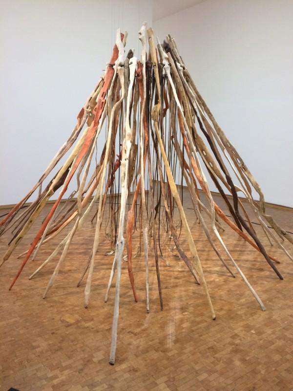 Nancy Graves - Fifty Hair Bones and Sun Disk (To the Students of the Aachener Werkkunstschule) - 1971 - in: kunst ins leben ! - Der Sammler Wolfgang Hahn und die 60er Jahre - im Museum Ludwig