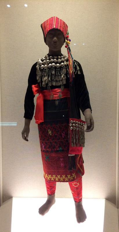 Ceremony attire with silver adornments - Jingpo - Ruili, Yunnan, Teh 2nd half of the 20th century