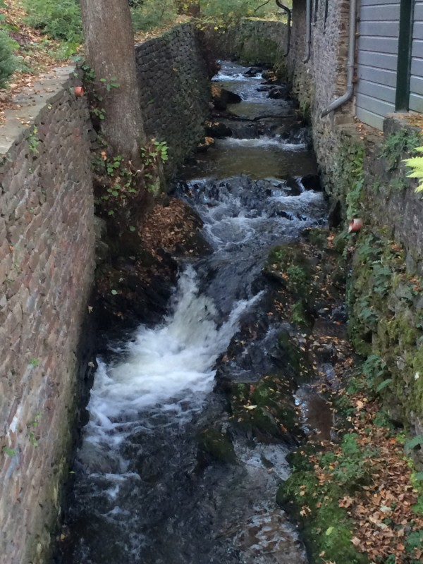 Bachlauf an der Historischen Senfmühle Breuer - Monschau<br>Course of a stream on the compound of the Historical Mustard Mill Breuer - Monschau