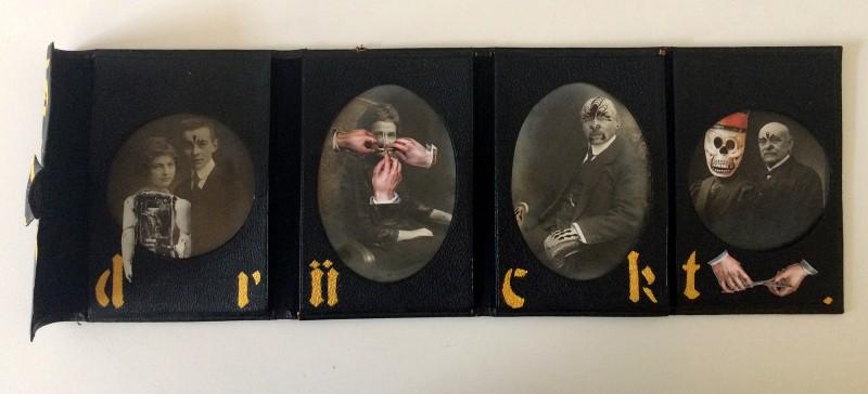 So schwer drückt nichts, wie ein Geheimnis drückt. Jean de La Fontaine - Viktorianisches Fotoalbum, Kabinettkarten, Kreidefarbe, Filzstift, Papier, Kleber 18,7 cm x ca 13,5 cm / 54 cm auseinander geklappt<br>Nothing depresses as much as a secret does. Jean de La Fontaine - Victorian photo album, cabinet cards, chalk paint, marker, paper, glue 18,7 cm x ca 13,5 cm / 54 cm unfolded