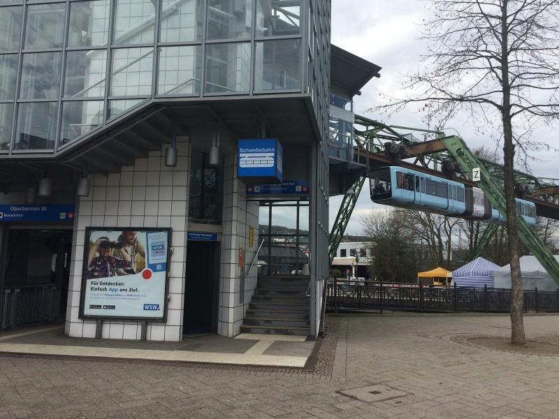 Schwebebahnfahrt Wuppertal - Endhaltestelle Oberbarmen