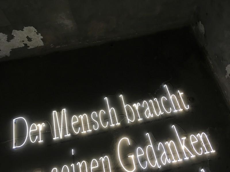 Joseph Kosuth: Die Signatur des Wortes [Licht und Finsternis] /  The Signature of the Word [Light and Darkness] - 2001 at Zentrum für internationale Lichtkunst Unna 2018