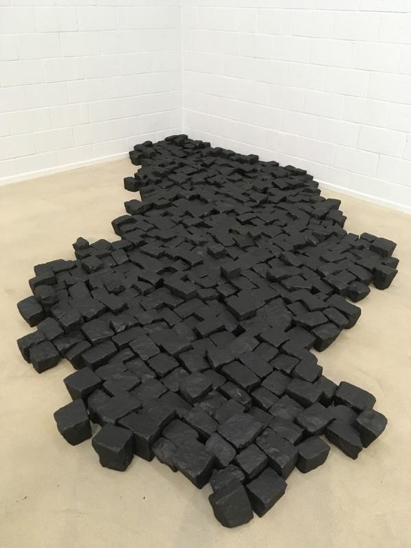 Katinka Bock: Der Boden der Unsicherheit / The Ground of Insecurity - 2006 im Lehmbruck Museum Reichtum Schwarz ist Gold