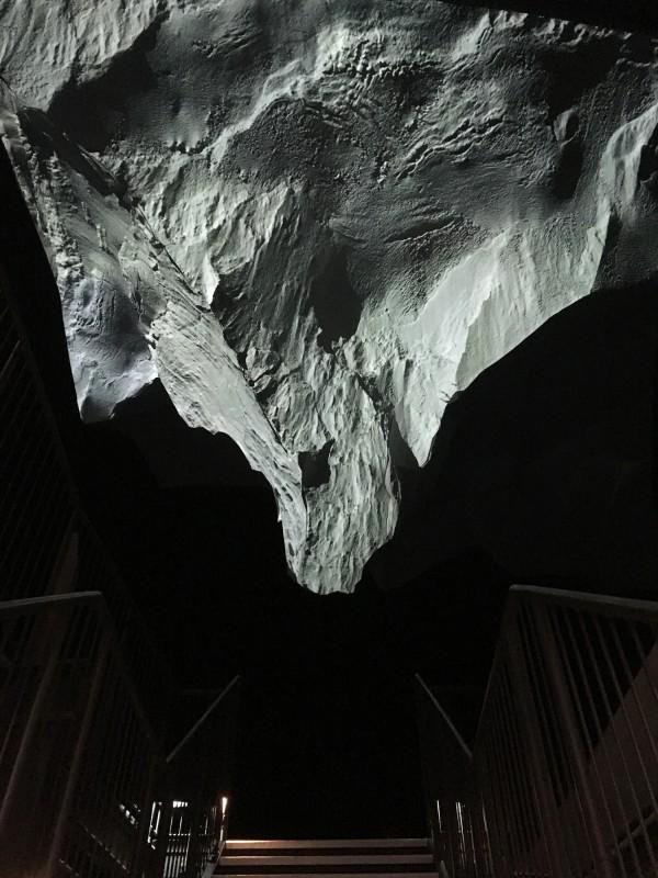 Der Berg ruft im Gasometer Oberhausen Das Matterhorn kopfueber - The Matterhonr upside down