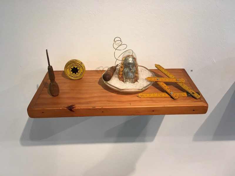 Yvonne Kendall - Shelf 2 Energy Ratios 2018 - im Wilhelm-Fabry-Museum Hilden - Coming Full Circle
