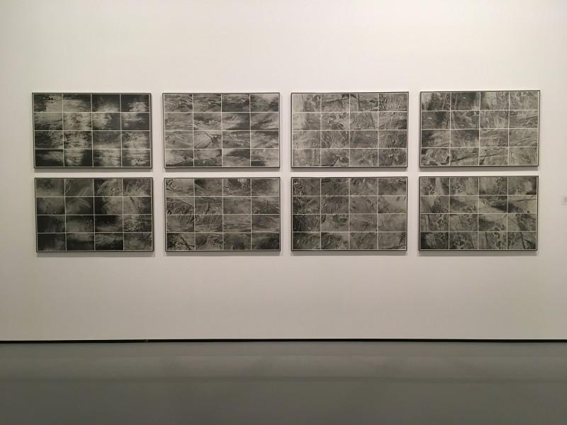Gerhard Richter - 128 Fotos von einem Bild (Halifax 1978), II (achtteilig) - 1998 im MuT Bochum