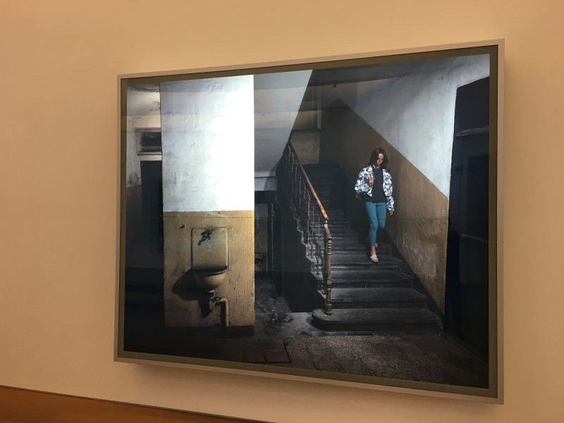Jeff Wall - Odradek - Taboritska 8 Prague 18 July 1994 - 1994 - at MUDAM Luxembourg - Appearance