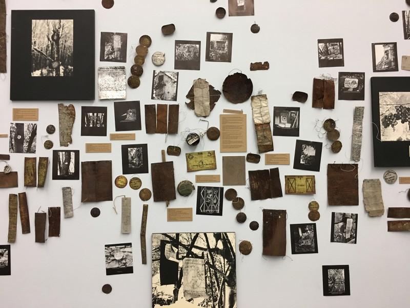 Enzyklopaedie im Wald 1952 - 1972 Armand Schulthess -  aus dem Ausstellungsbereich Der Hang zum Gesamtkunstwerk in der Kunsthalle Duesseldorf - Harald Szeemann Museum der Obsessionen 3