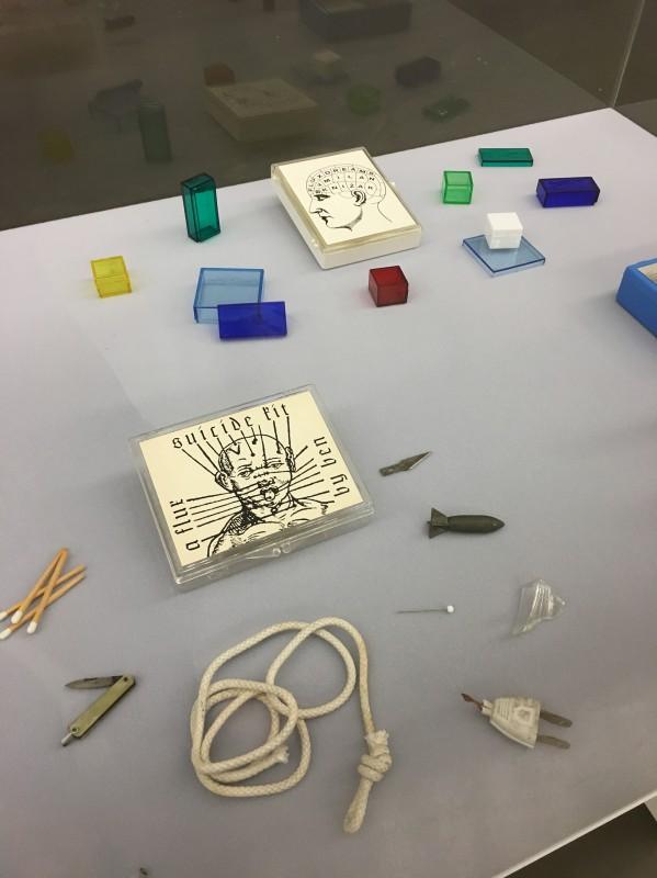 FluxusVitrine 5  - in der Kunsthalle Duesseldorf - Harald Szeemann Museum der Obsessionen