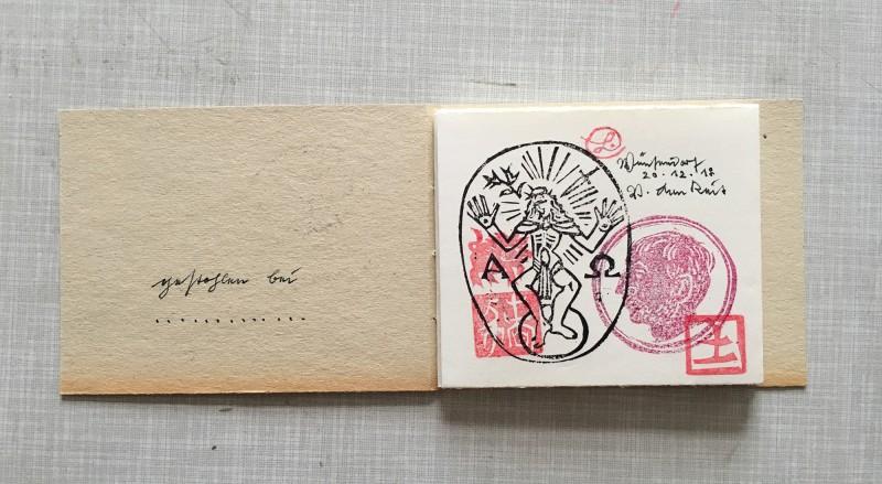 Volker Lenkeit Dezember 2018 das Kuenstlerstempelbuch mit Stempeln von Volker