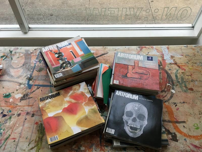 Kunstmagazine geschenkt von Karen Abato - art magazines donated by Karen Abato