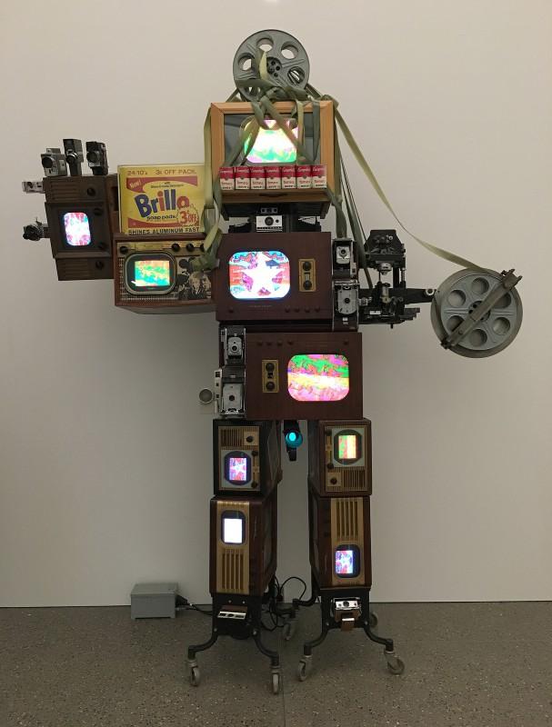 Museum Folkwang - Der montierte Mensch - Nam June Paik - Andy Warhol Robot 1994
