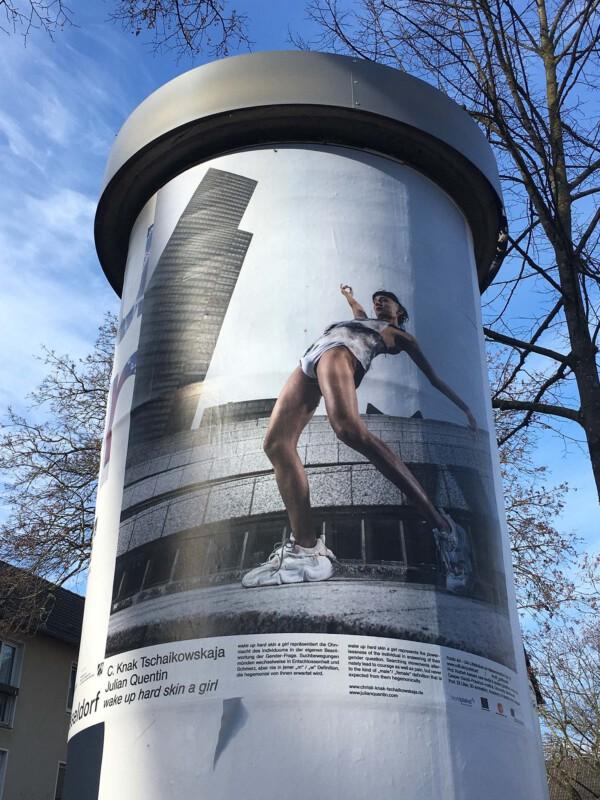 Public Art - Litfasssäule als Massenmedium - C. Knak Tschaikowskaja Julian Quentin - wake up hard skin girl