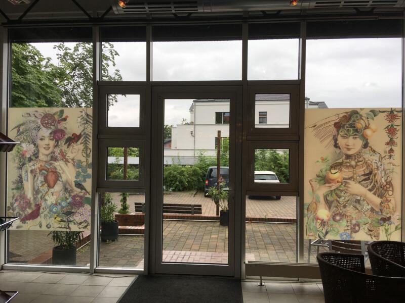 Nymphen Folien von innen im Multikulturellen Zentrum Templin - Foto Gerald Narr