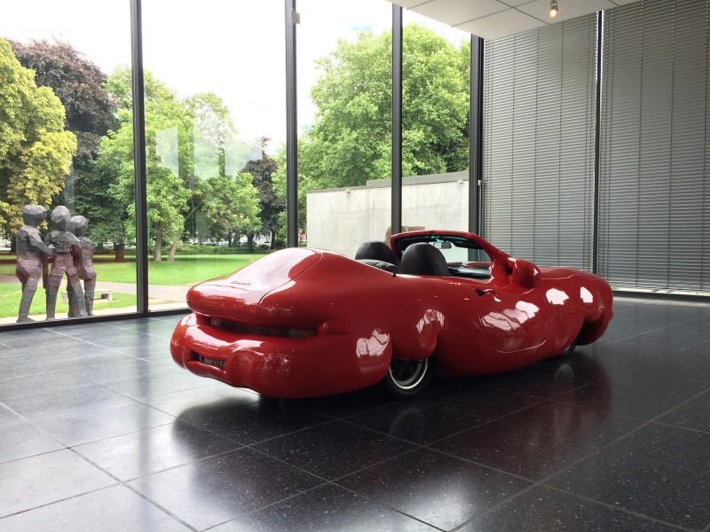 Erwin Wurm - Fat Convertible - 2005- Lehmbruck Museum Duisburg