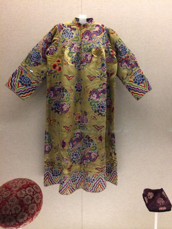 Embroidered green satin dress - Uygur - Qing 1644 - 1911