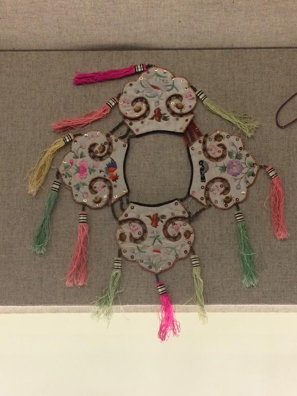 Embroidered satin collar - Bai - Dali, Yunnan - The 2nd half of the 20th century