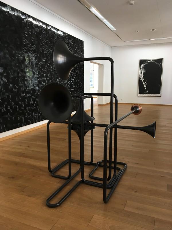 Alicja Kwade - Hypothetisches Gebilde - 2018 - Gregor Hildebrandt - Der grosse Regen - 2018 - Rinus Van de Velde - I know what I am doing all too well - 2018 - im Kunstmuseum Gelsenkirchen