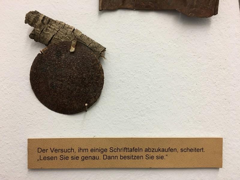 Detail 10 von Enzyklopaedie im Wald 1952 - 1972 Armand Schulthess -  aus dem Ausstellungsbereich Der Hang zum Gesamtkunstwerk in der Kunsthalle Duesseldorf - Harald Szeemann Museum der Obsessionen
