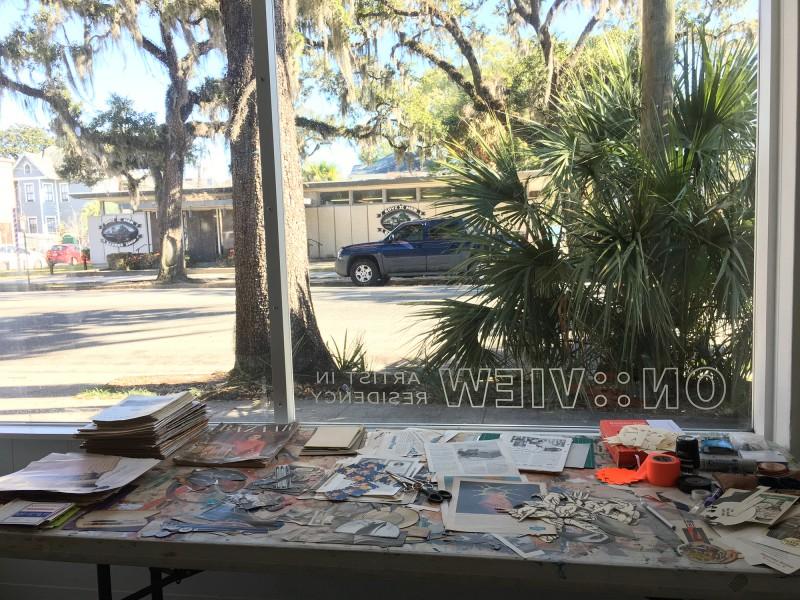 Ausblick meines Arbeitsplatzes auf die Bull Street / View of Bull Street from my workplace