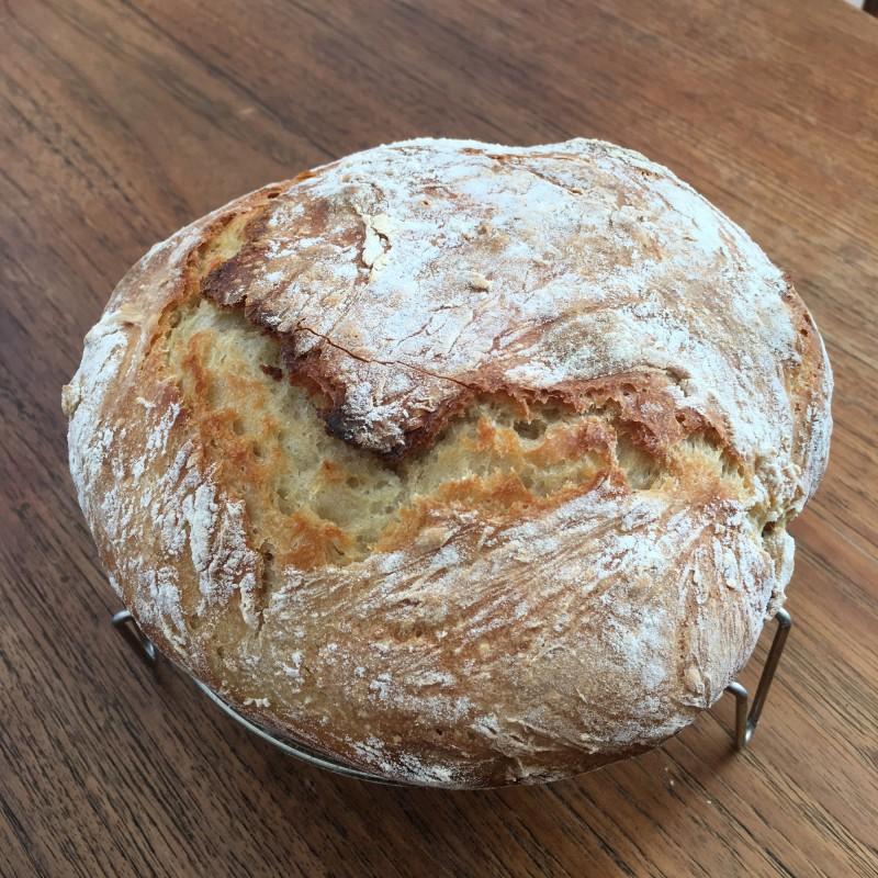 Selbstgebackenes Brot / Homemade bread