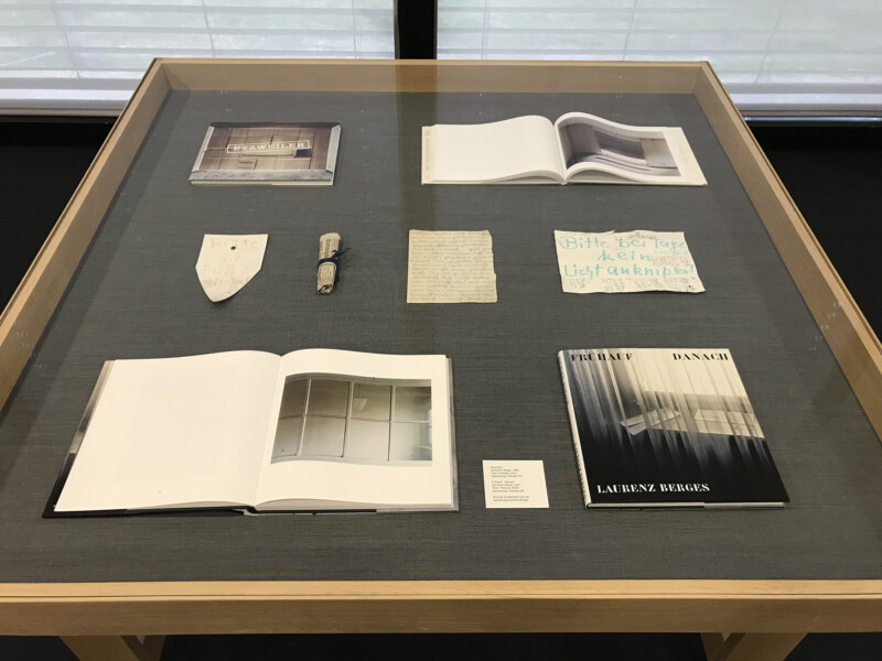 Laurenz Berges - 4100 Duisburg Das letzte Jahrhundert - Vitrine - Josef Albers Museum Quadrat Bottrop